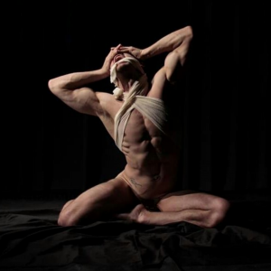 Saturday 17 October 2020   7-9 pm UK / 2-4 pm NY : Life Drawing Online with Juliano Hollivier